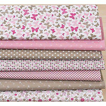 """Exklusiv von buttinette: Zauberhaftes Patchwork- und Quiltpaket """"Marlene"""" aus der Quiltserie Mona, aus besonders feiner und weicher Baumwolle, für Ihre individuellen Näh-Ideen, Farbe: rosa/taupe, Gewicht: ca. 130 g/m². Paketinhalt: 7 verschiedene Muster, wie abgebildet, jeweils 30 cm lang und 75 cm breit. Material: 100 % Baumwolle.Näh-Idee """"Tasche"""" aus dem Buch """"Taschenlieblinge selber nähen"""", Artikelnr. 99-83962.Bastel-Idee """"V&ouml..."""