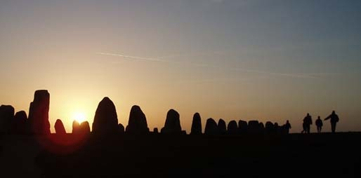 Ales stenar - stenen grafschip Skane