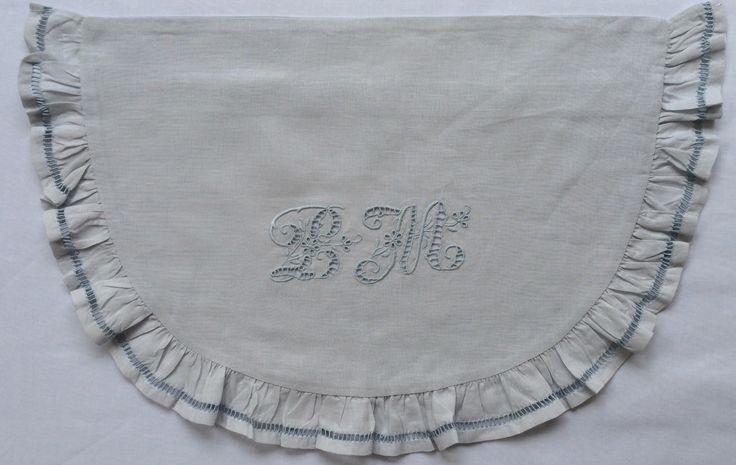 Bonne Mère Eyelet hand embroidered 100% Linen Bassinet Sheet set for babies and girls. Colour Azure Mist
