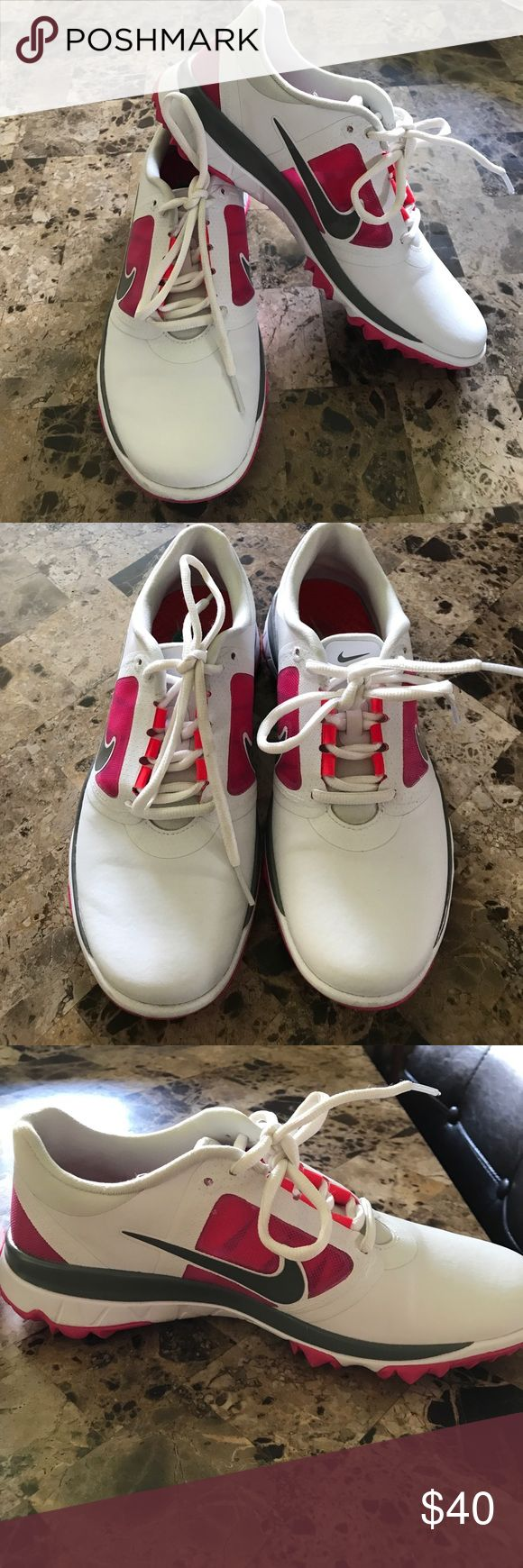 LIKE NEW! Women's NIKE Running 🏃 Sneakers Sz 8 Like new! Nike women's running sneakers. Size 8. Worn once. Comes from a smoke free and pet free home 🏡 Nike Shoes Athletic Shoes