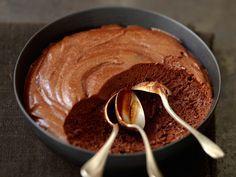 Aérienne, légère, fondante et gourmande, la mousse au chocolat a tout du dessert parfait. Surtout lorsqu'on connaît les secrets qui la rendent hyper facile,...