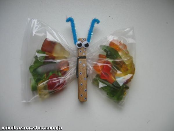 Motýlci plní sladkostí o nejen do školky