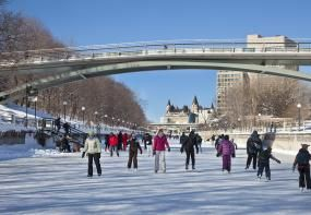 Rideau Canal Skateway - Each winter, the historic Rideau Canal, a UNESCO World Heritage Site, becomes the Rideau Canal Skateway, the world's largest skating rink. The Skateway winds its way through the heart of Ottawa, over a total length of 7.8 kilometres, stretching from downtown to Dows Lake.