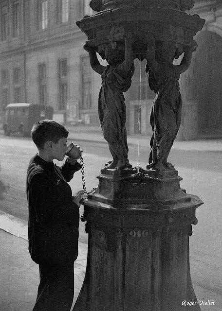 Fontaine Wallace, l'eau semble potable, 1950