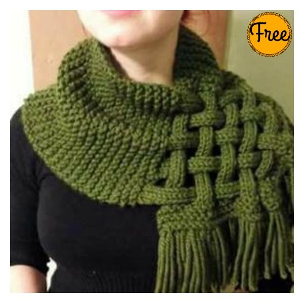 Celtic Knot Looped Scarf Free Knitting Pattern #Freepattern #Knitting #Scarf