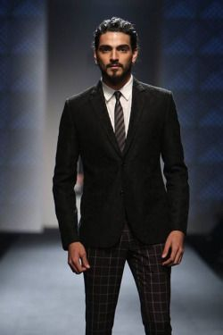 Menswear collections were presented by designers including Abhishek Gupta, Ashish N Soni, Varun Bahl, Troy Costa, JJ Valaya, Rajesh Pratap Singh, Rohit Bal, Rohit Gandhi and Rahul Khanna at Amazon India Fashion Week Autumn/Winter 2016. The suave show gave us a plethora of suited and booted men in chic suits, as well as some more casual clothes embroidery with striking geometric and floral prints.  #AIFW #Amazonfashionweek2016 #indianfashion #indianfashiondesigner #VarunBahl #AshishNSoni