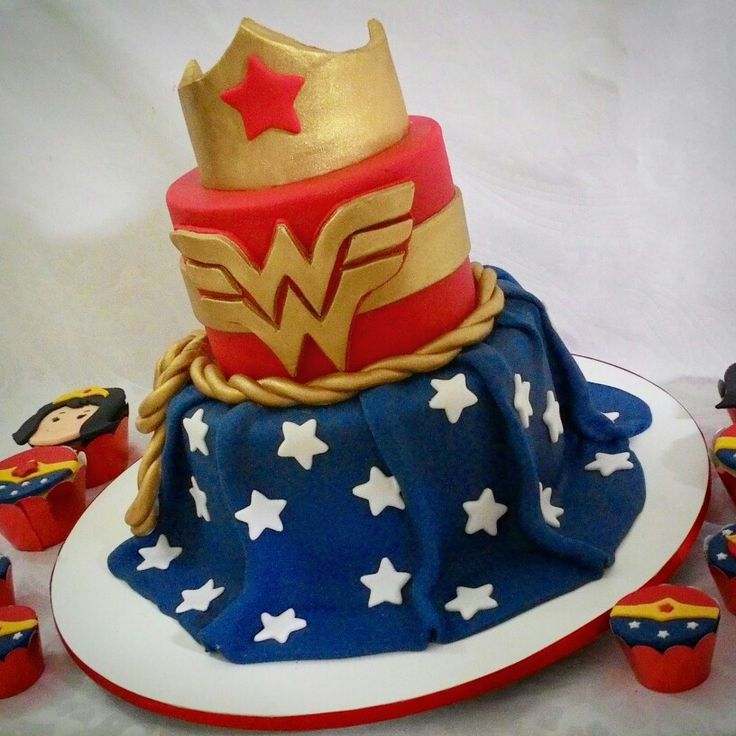 Wonder woman cake. Bolo mulher Maravilha.