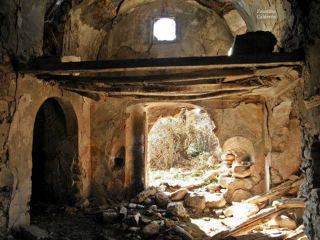 Pueblos deshabitados: La Bastida de Bellera #pallarsjussa #despoblats #pueblosabandonados #valfosca Interior església