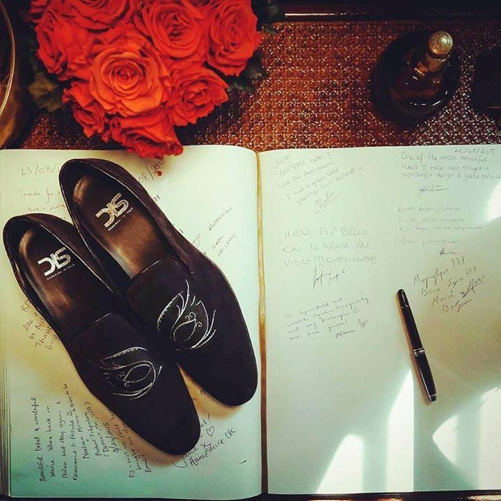 A custom shoes is the perfect gift! #weardis #gifts #chistmas #madeinitaly #bespoke #tailormade #slipon #casanova #mocassin #designyourown #feelitalian #gentleman #perfection #gents #dudes #dappermen #merrychristmas http://ift.tt/2heqfQH