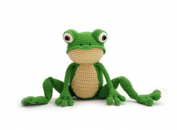 Fritz the Frog amigurumi pattern by YukiYarn Designs