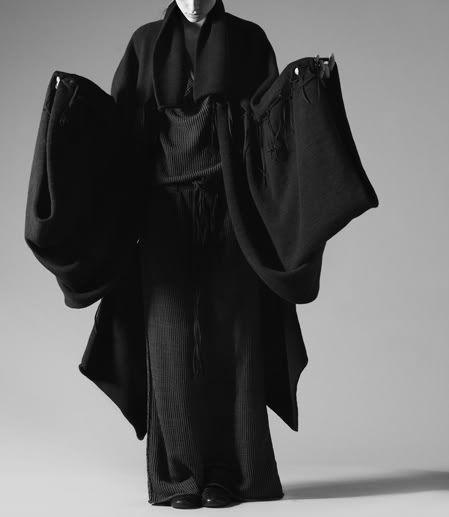Varys/// all black | high fashion | kimono