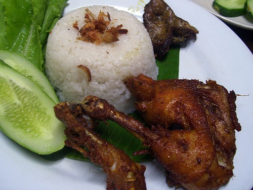 Nasi Uduk Kebon Kacang The nasi uduk is a champion, the others are quite good, giving it an overall score of 7/10.