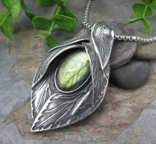 I love this piece...I wonder what it would look like with sage leaves :-)  Waiting For Spring