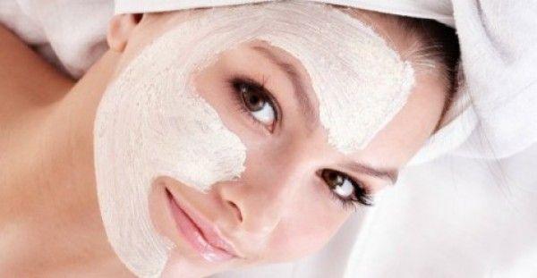 Μια τρομερή μάσκα προσώπου που θα τονώσει την επιδερμίδα σου! Οι ρυτίδες γύρω από τα μάτια και τα χείλη είναι 2 από τα σημαντικότερα ζητήματα που προβληματ