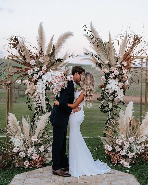 60 Indoor & Outdoor Wedding Arch Ideas for Your Very Special Day in 2020 | Wedding  ceremony decorations outdoor, Boho wedding theme, Grass wedding