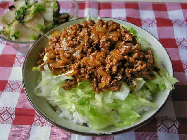 簡単!ひき肉と玉ねぎのカレー丼の画像