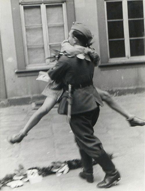 WAR  A soldier comes home from war, 1940s