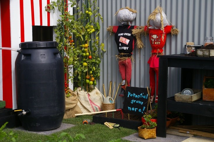 scarecrows, always a ful idea for the kids and adults alike