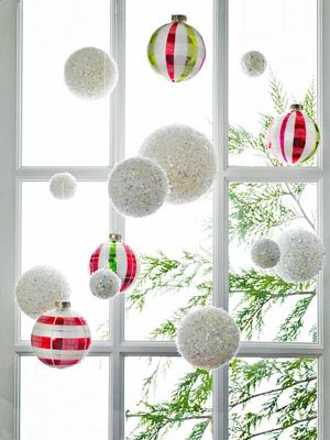 Pretty holiday decor for the window on the front door