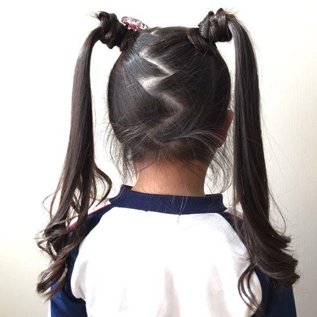 セーラームーン風☺︎ 本人割と気に入ってくれてルンルン♪で登園してくれましたー✌︎ #キッズヘア #キッズヘアアレンジ #キッズ #子供の髪型 #子供ヘアアレンジ #子供 #女の子ママ #簡単ヘアアレンジ #ヘアアレンジ #子育て #年長 #年長さん #ツインテール #hairstyles #hairstyle
