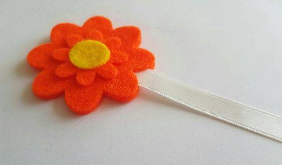 Check out this item in my Etsy shop https://www.etsy.com/uk/listing/510574433/felt-flower-bookmark-felt-bookmark