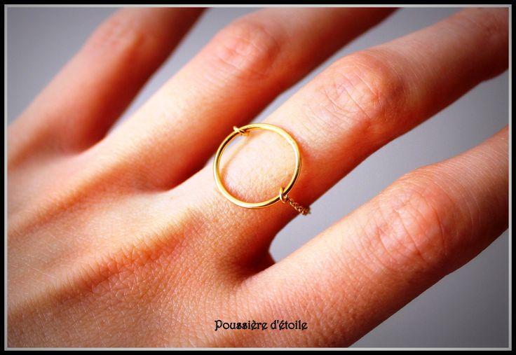 Bague cercle et chaine en plaqué or : Bague par poussieredetoile-bijoux