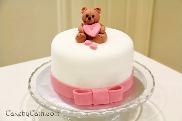 How To Decorate A Birthday Cake Using Fondant