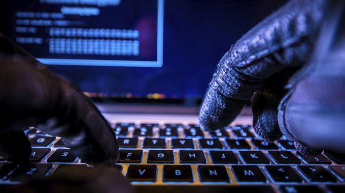 http://www.elfinancierocr.com/tecnologia/Anonymous-Fortinet-Microsoft-Telefonica-hackers-seguridad_informatica_0_947905227.html
