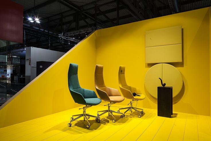 11 best arper images on pinterest desks arper for Salone mobile ufficio