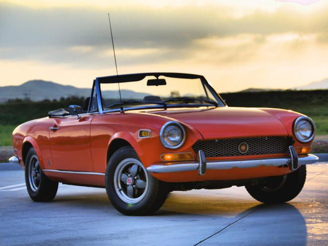 1970 FIAT 124 Spider 1608cc twincam, twin weber ,disc brakes all over ,multi point rear suspension ....