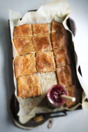 Pannukakku | Pannukakku on nopea valmistaa ja se maistuu monen lisukkeen kanssa.