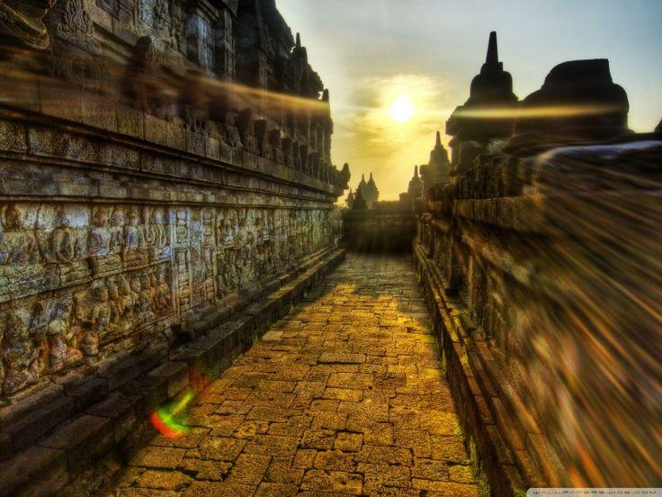 The Buddhist temple of Borobudur, Indonesia wallpa