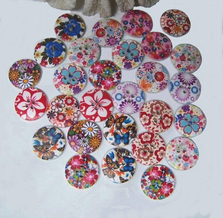 Assortiment de 28 boutons bois, 2 cm-couture scrapbooking tricot - fleurs, papillons- BOU460 : Boutons par kersidan