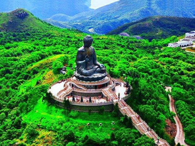 Hong Kong, Tian Tan Buddha on Lantau Island - Looks so magical