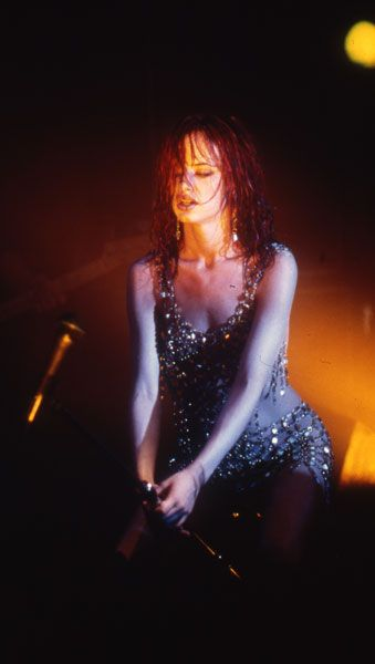juliette lewis - strange days - The Song she sang was awesome...