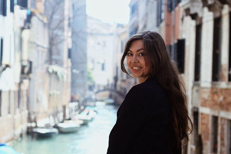 Юля уже третий год живёт и учится в Италии. Поделилась своим опытом, поведала о плюсах и минусах, составила маршрут путешествия по Италии, рассказала, что и где попробовать и еще много интересного!