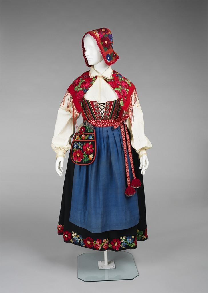 Norwegian ensemble, 1900-1915.