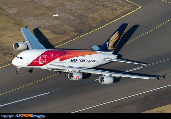 SIA Airbus A380-841 in SG50 livery for NDP 2015.