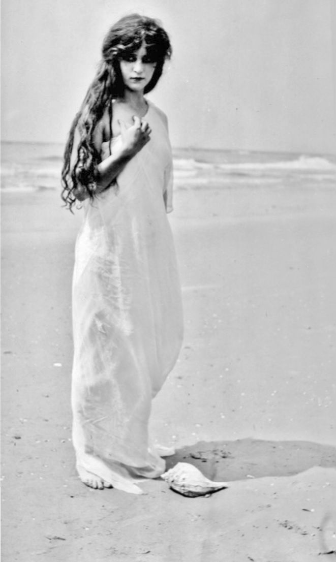 Florence La Badie, 1913, Thanhouser production still by Carl Louis Gregory, from the film Beauty in the Seashell (1913).