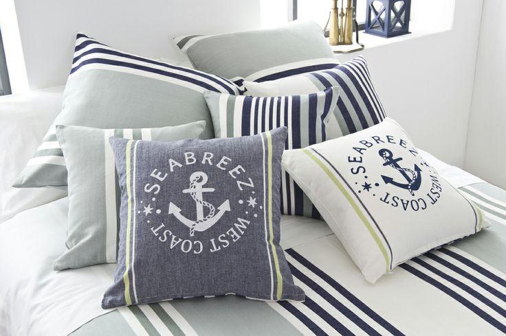 Una exquisida paleta de blaus oceànics creada per viure una nova experiència de vacances, en la que transportaràs la primera línia de mar fins la porta de casa teva.