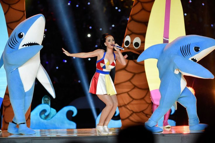 Katy Perry Superbowl 2015 - sharks