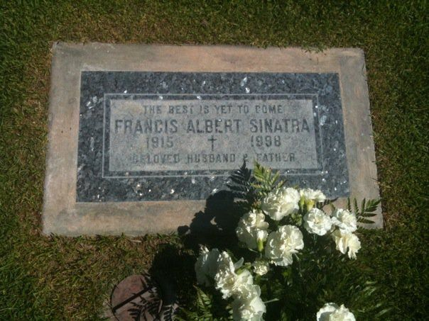 Sinatra 39 S Gravestone At Desert Memorial Park In Cathedral
