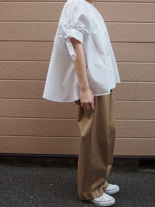 Steven Alanのチノパンツ「<steven alan>COMPACT WEAPON WIDE TROUSERS/パンツ」を使ったトヨカワ ノドカのコーディネートです。WEARはモデル・俳優・ショップスタッフなどの着こなしをチェックできるファッションコーディネートサイトです。