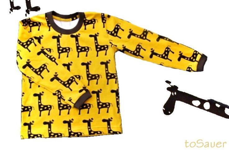 Tričko žirafy Veselé tričko s barevnými žirafami, rozzáří každý dětský úsměv. Pohodlné, oblíbené, pro holky i pro kluky. Kvalitní úplet scertifikátem Oekotex. Materál 92% bavlna 8% elastan -zelené nebo tyrkysovénáplety (a nebo si určete barvu sami :-) ) K dostání jsou i tepláky ve stejné barevné kombinaci Velikost 98-140  Na Slovensko poštovné řešeno ...
