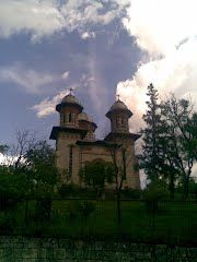 Panoramio - Photo of Biserica Tohani by www.unuacolo.blogspot.com
