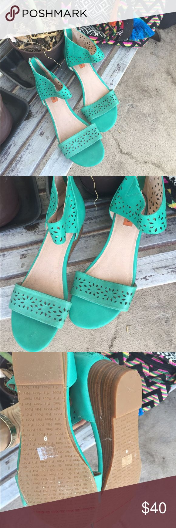 Miz Mooz gorgeous turquoise sandals size 9 🌷 Miz Mooz pair of turquoise sandals ... Genuine leather and never worn. Spring  leftovers !! Take advantage of the price! 🌷🌷🌷 Miz Mooz Shoes Sandals