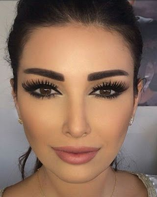 Casual natural makeup that will make you look unique.