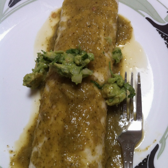 Vegetable enchiladas, Salsa verde and Guacamole on Pinterest
