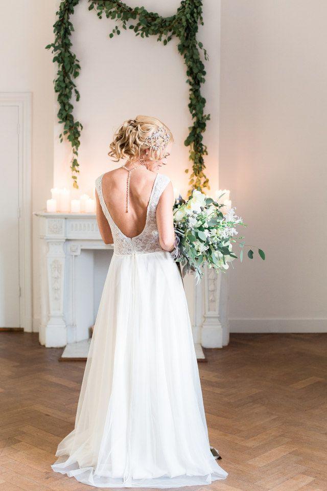Credit: Anouschka Rokebrand Photography - bruid, huwelijk (ritueel), hoofddeksel, jurk, vrouw, mode, toga, bruids, een, betoverend, bloemstuk, ceremonie, volwassen, kleding, portret, huwelijk (burgerlijke staat), volk