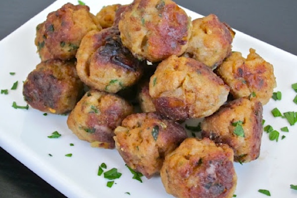 Lemon Rosemary Turkey Meatballs | www.michaelbaes.com